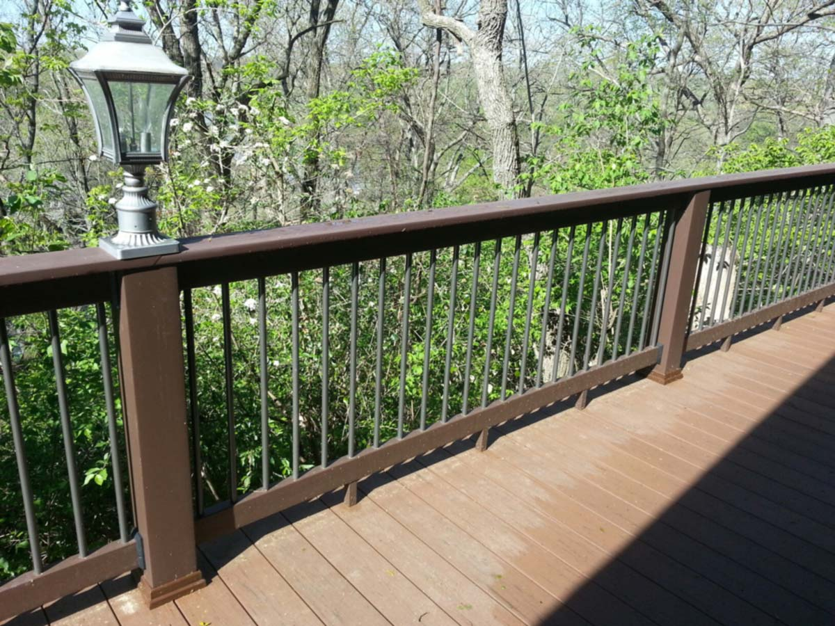 Image of: Best Composite Deck Railings
