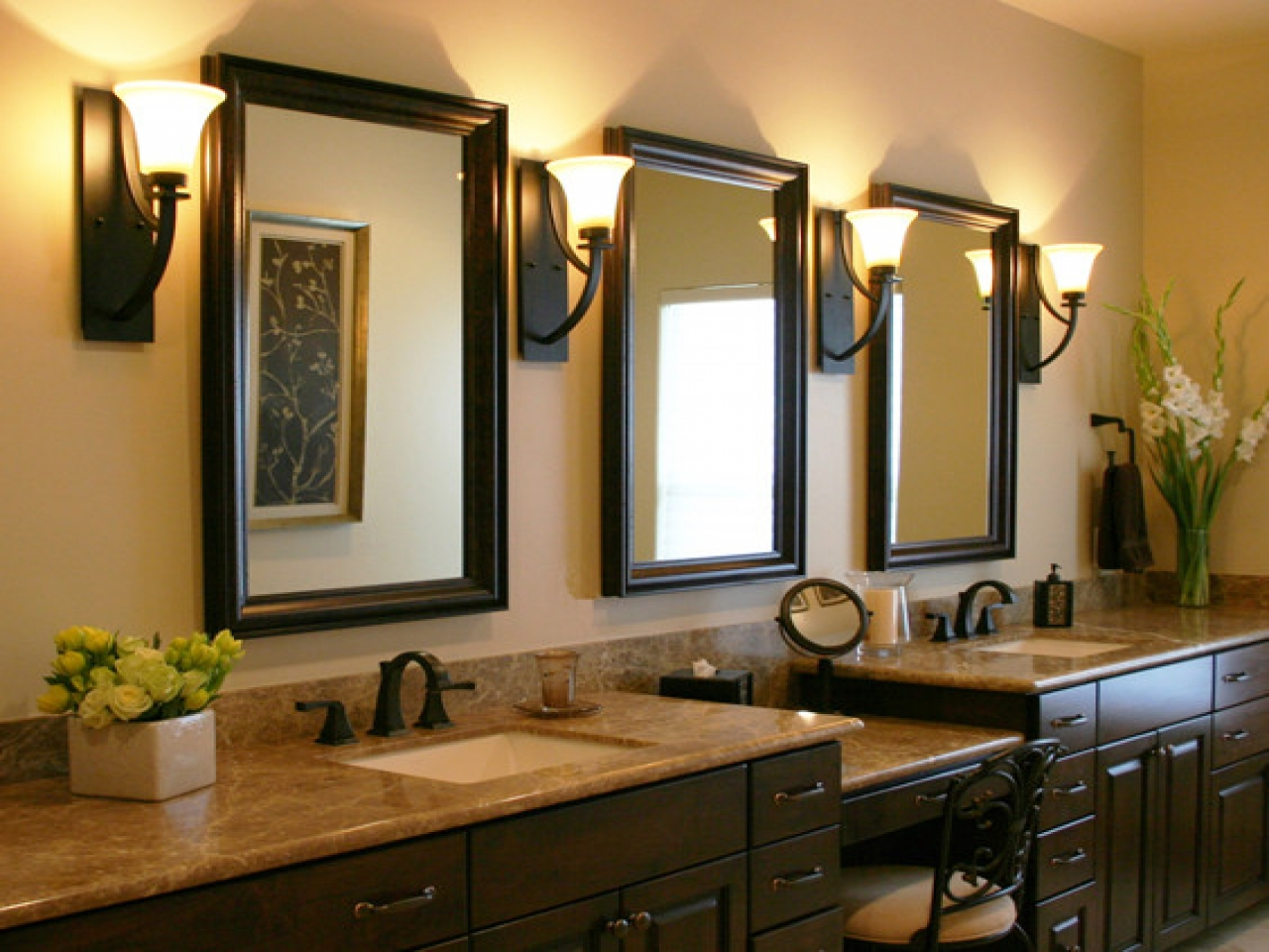 Image of: Best Decorative Bathroom Mirrors