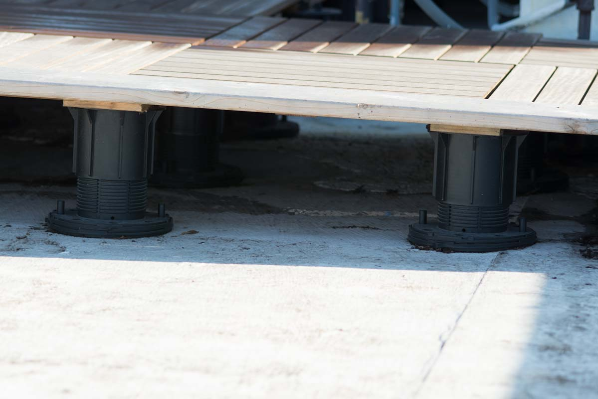 Image of: Bison Deck Supports For Hot Tub