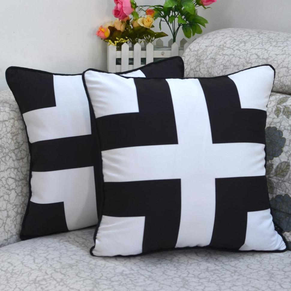 Image of: Black And White Toss Pillows
