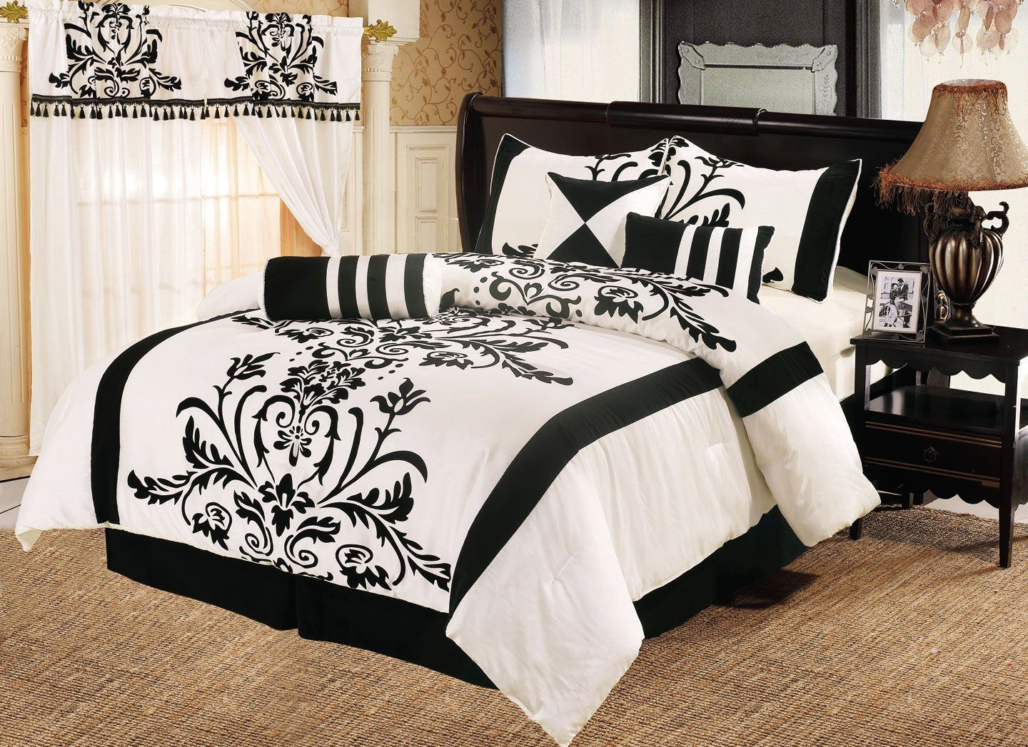 Black and white bedding life