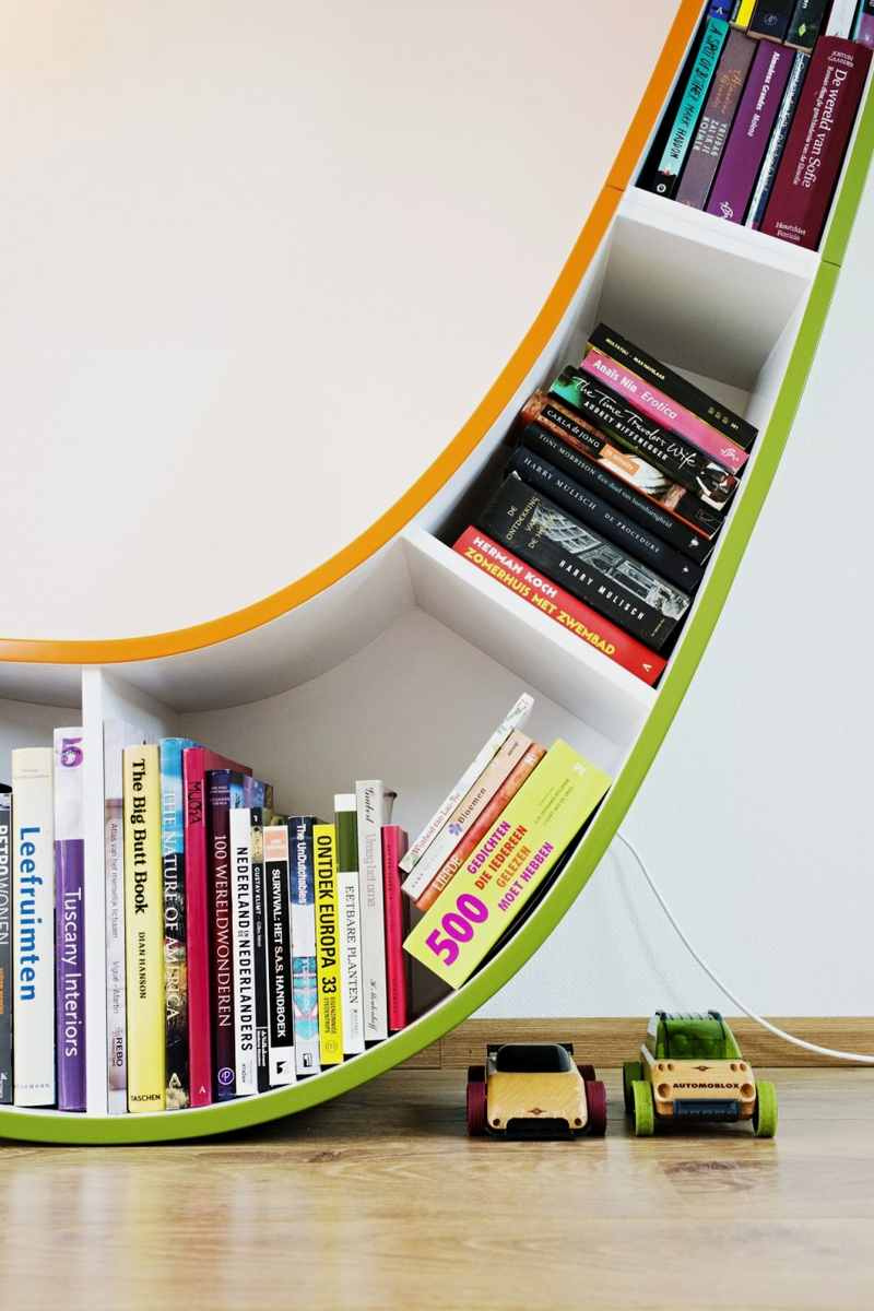 Image of: Bookcase Plans Curling Shape