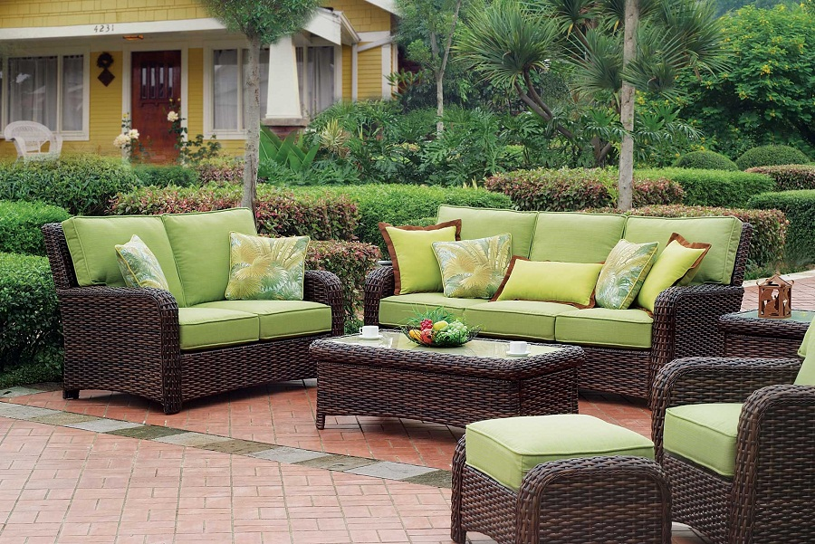 Image of: Brown Wicker Patio Set