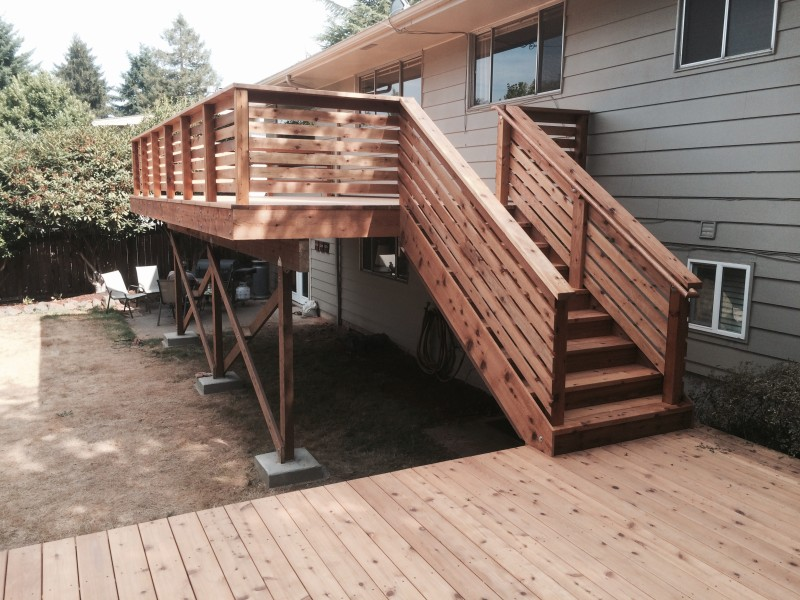 Image of: Cedar Horizontal Deck Railing