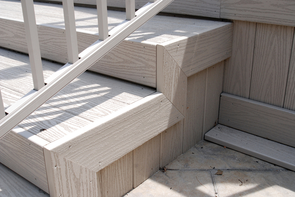 Image of: Composite Deck Stairs Steps