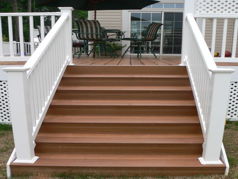 Image of: Composite Deck Stairs Vinly