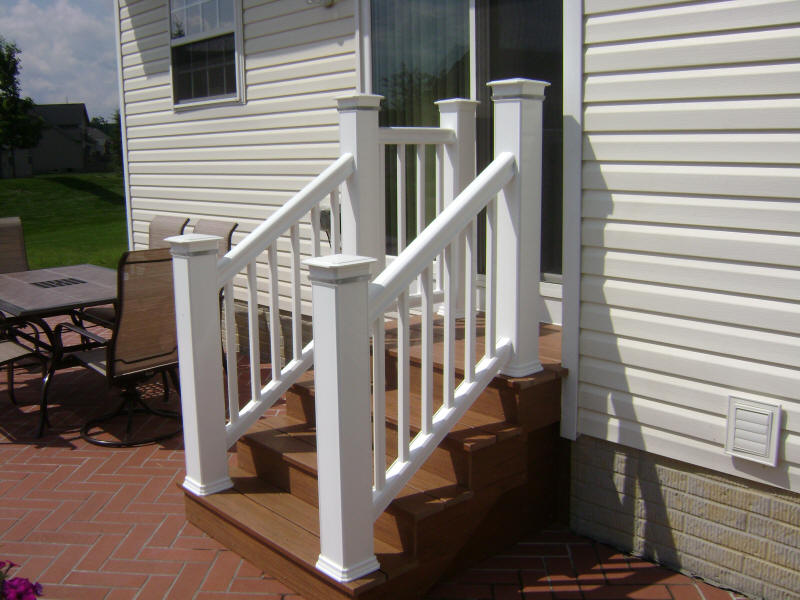 Image of: Composite Deck Stairs