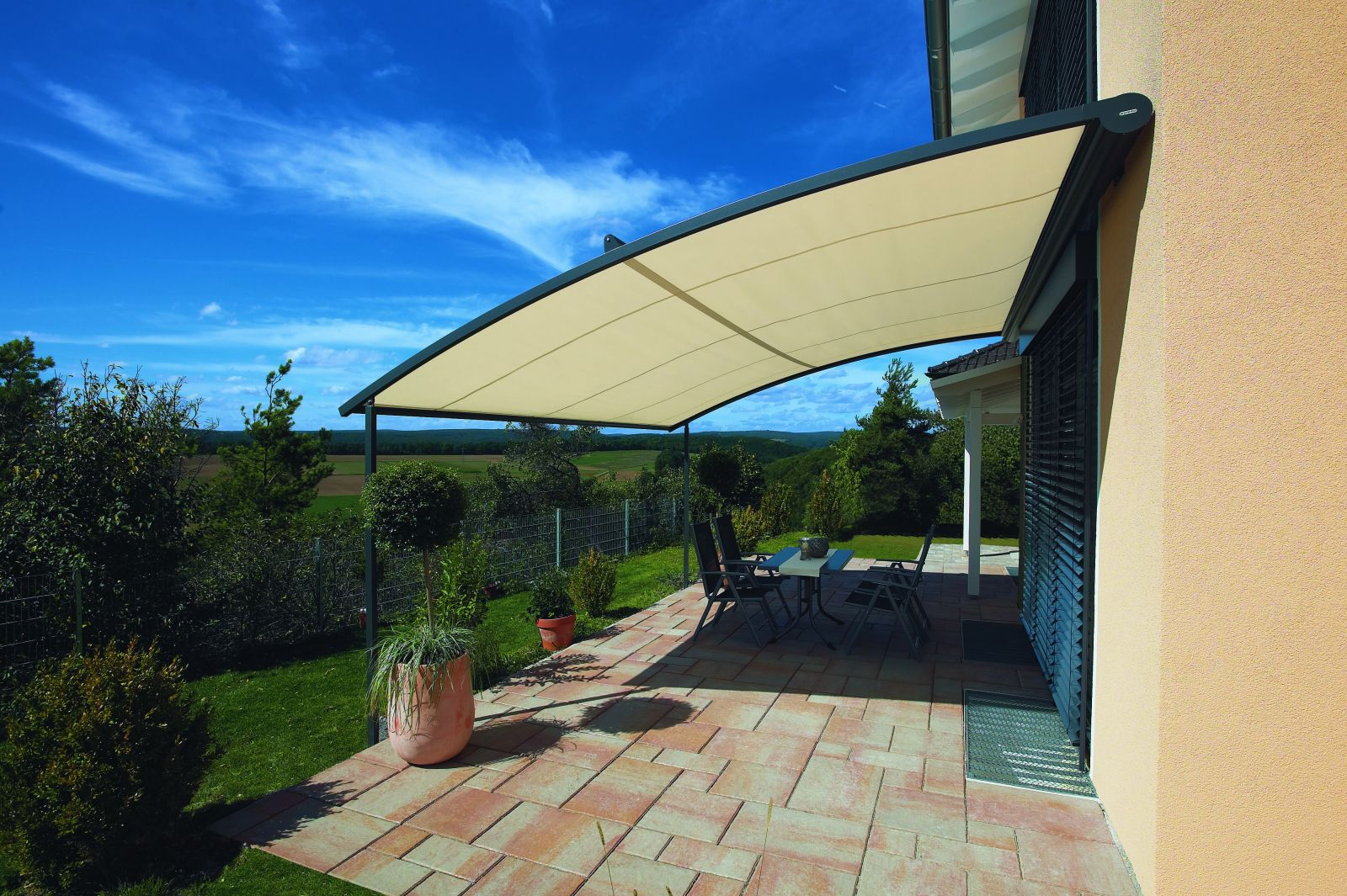 Image of: Contemporary Patio Awning