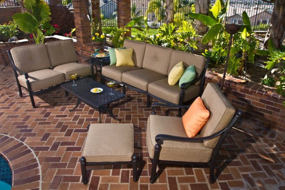 Image of: Conversation Patio Sets Outdoor Sectionals