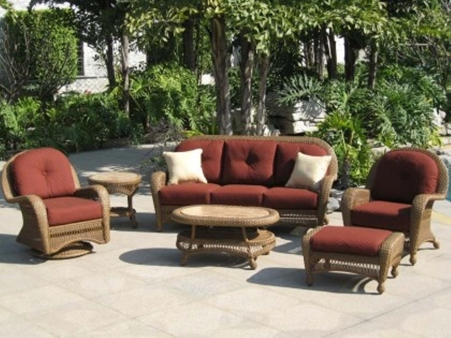 Image of: Conversation Patio Sets With Fire Pit