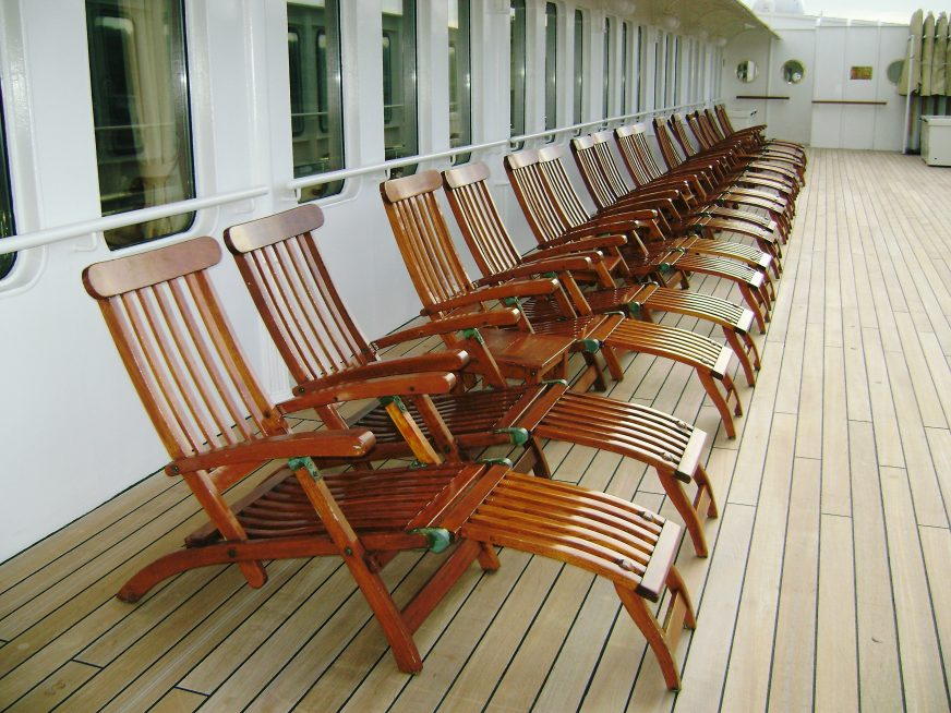 Image of: Cozy Titanic Deck Chair