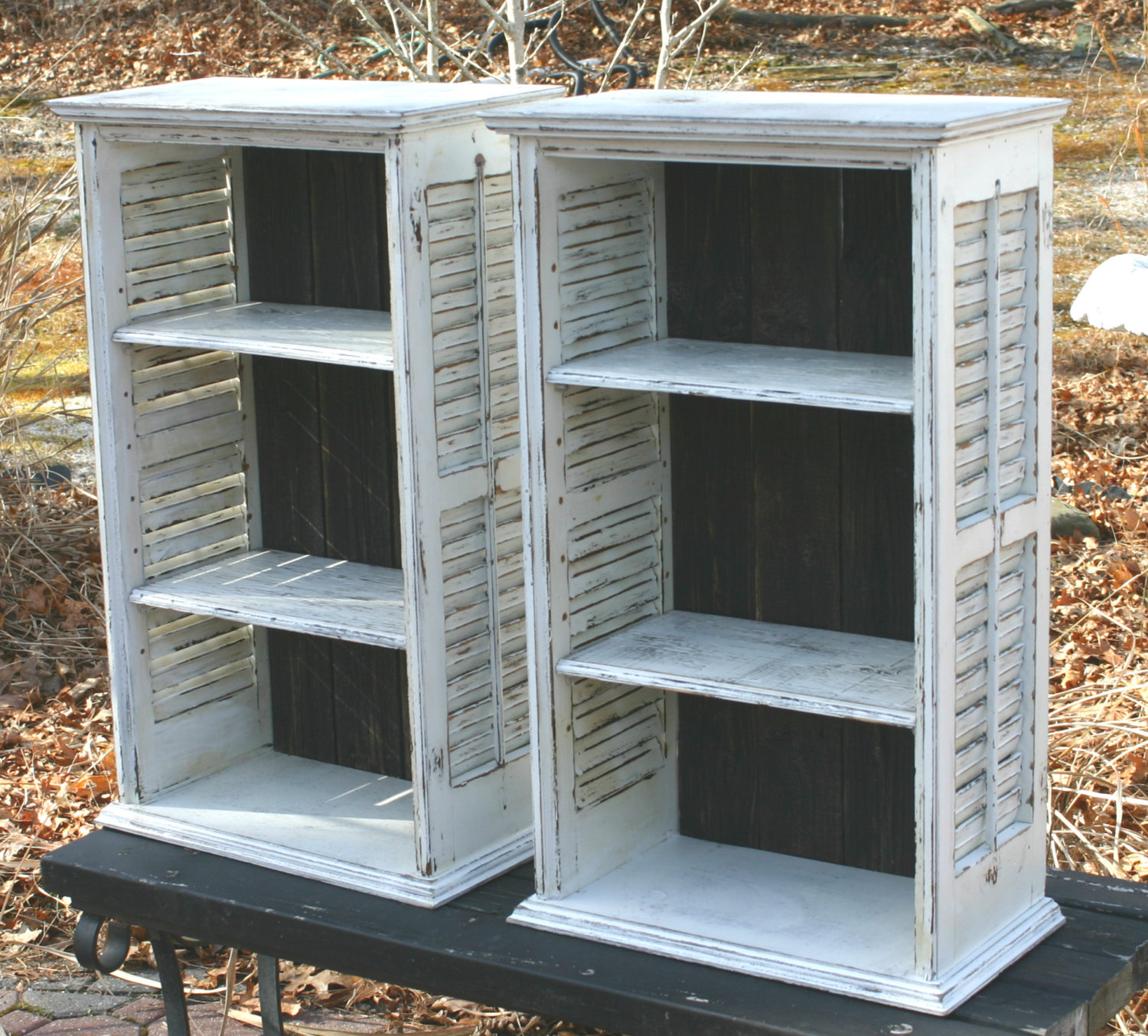 Image of: Creative Distressed Bookcase