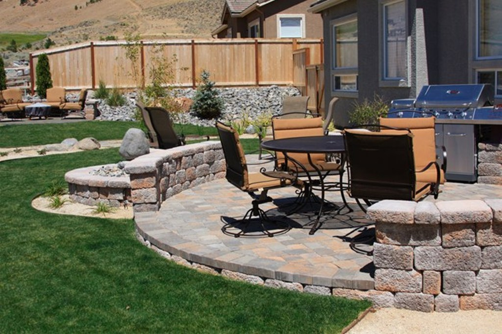 Image of: Latest Deck and Paver Patio Designs