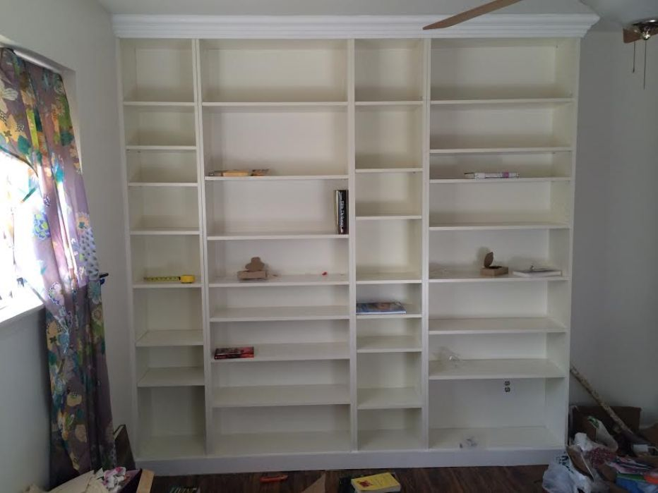 Image of: Easy diy built in bookcase