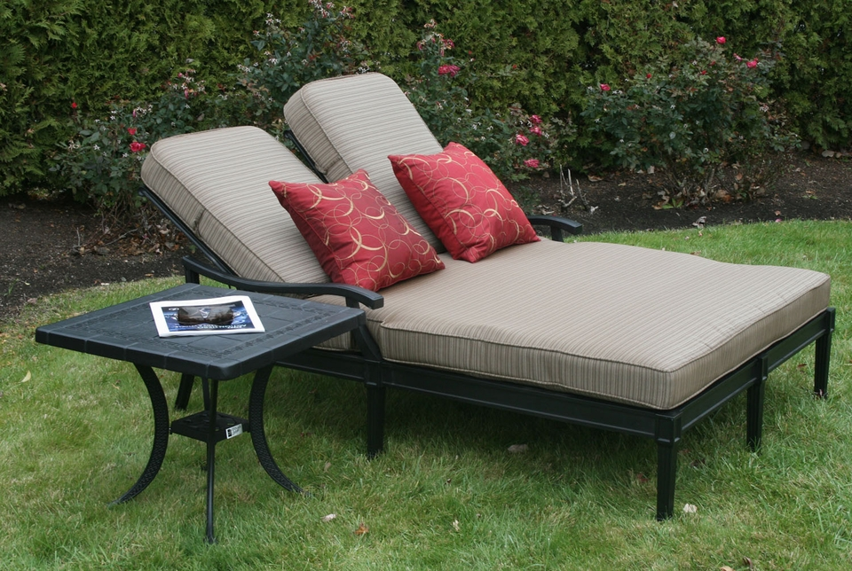 Image of: Elegant Outdoor Chaise Lounge