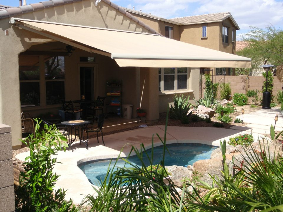 Image of: Elegant Retractable Patio Awning
