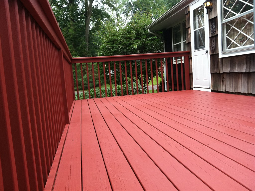 Image of: Faux Redwood Decking