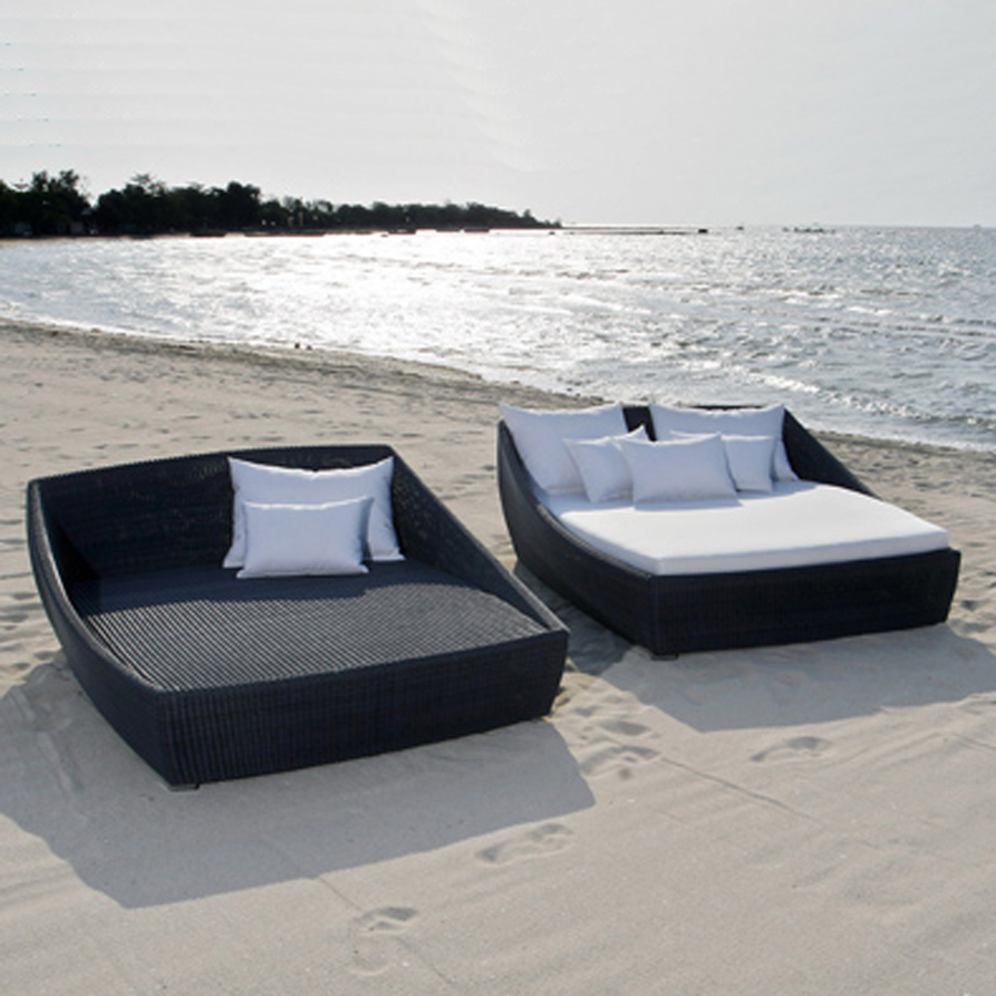 Image of: Good Outdoor Daybed