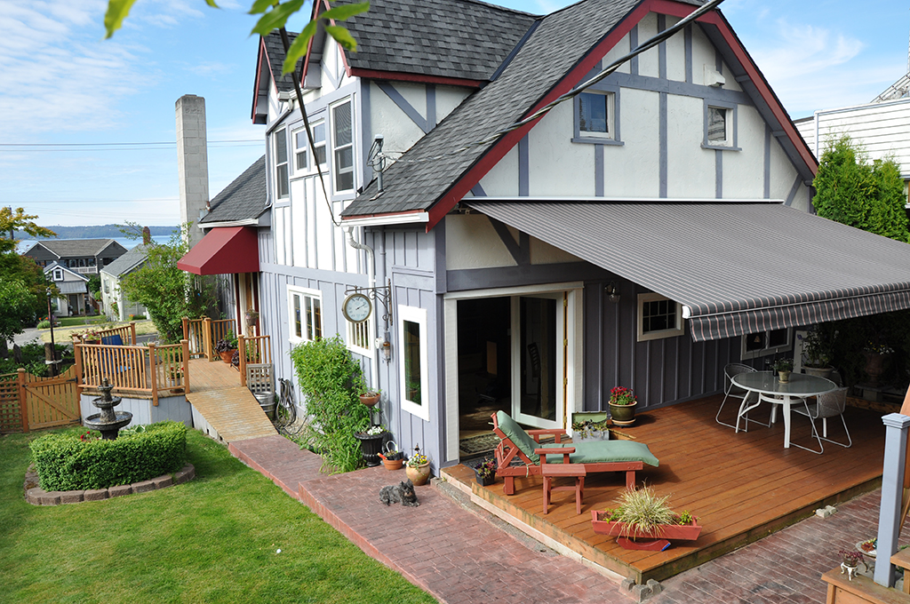 Image of: Gray Deck Awning