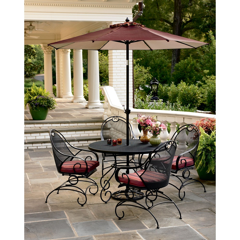 Image of: Home Patio Dining Set with Umbrella