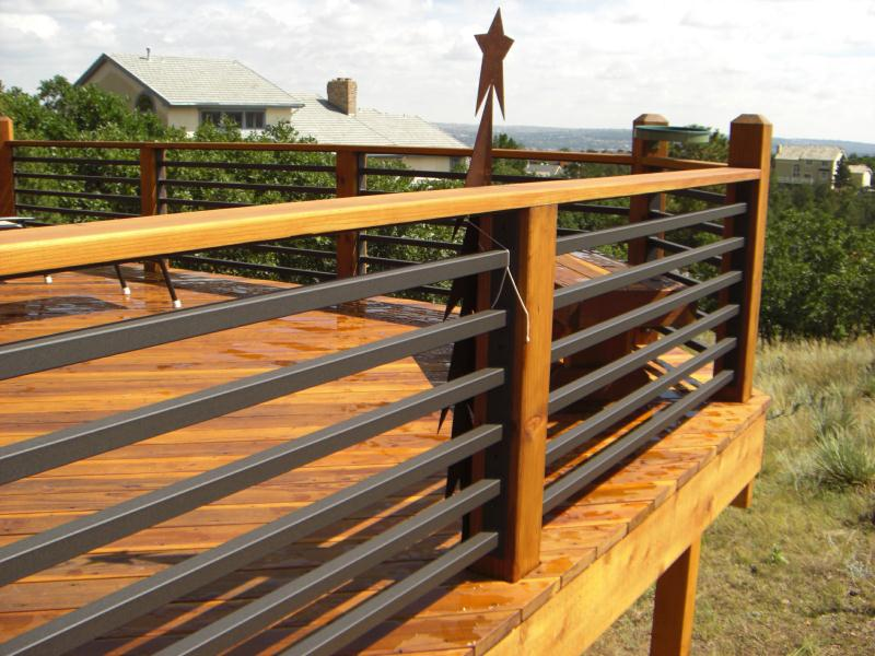 Image of: Horizontal Deck Railing Ideas
