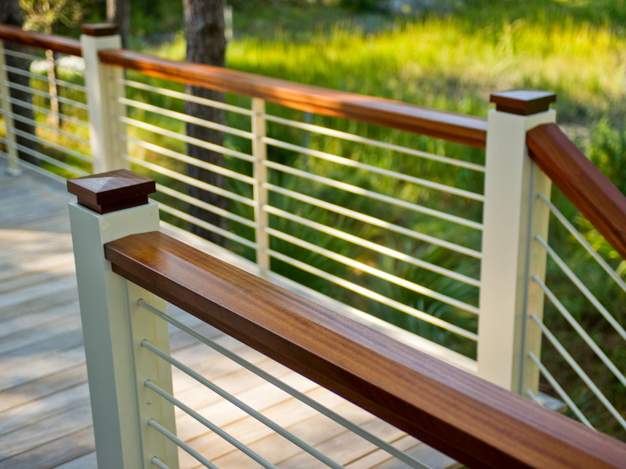 Image of: Horizontal Deck Railing Modern