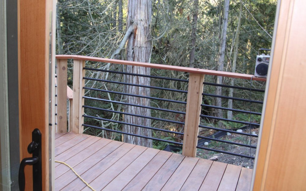 Image of: Horizontal Deck Railing
