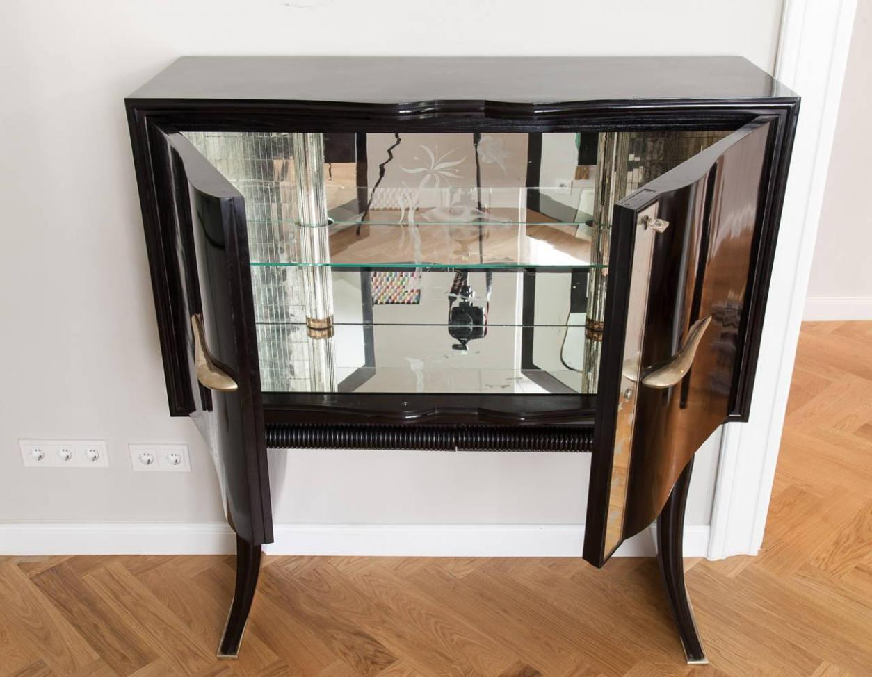 Image of: Jewelry Armoire Mirror Free Standing