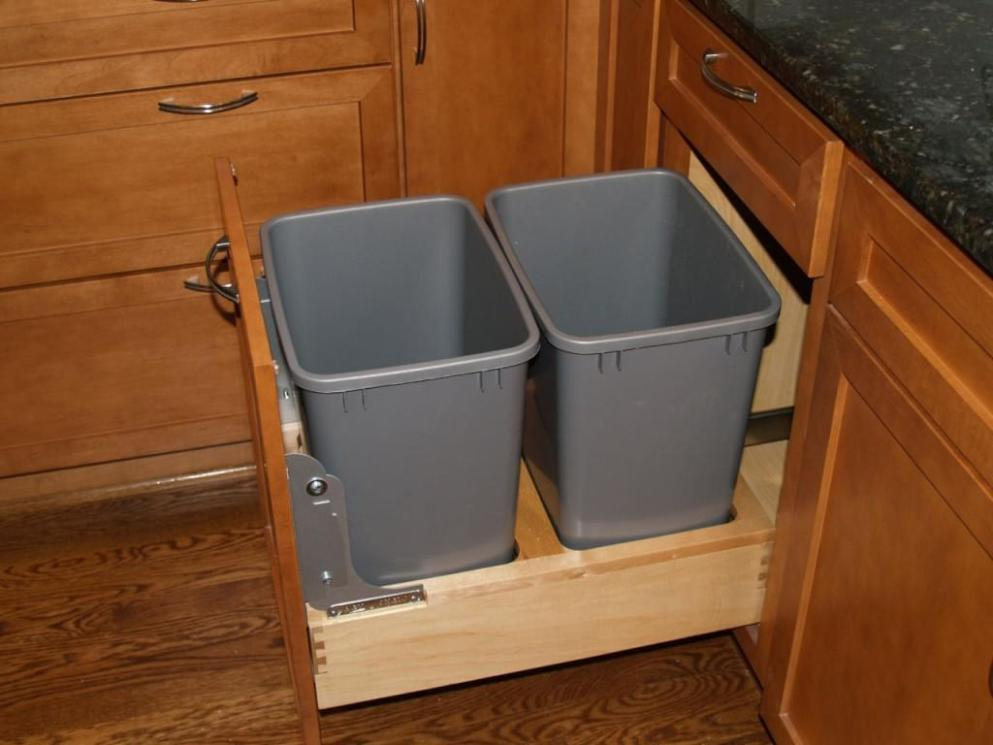 Image of: Kitchen Garbage Cans With Recycle