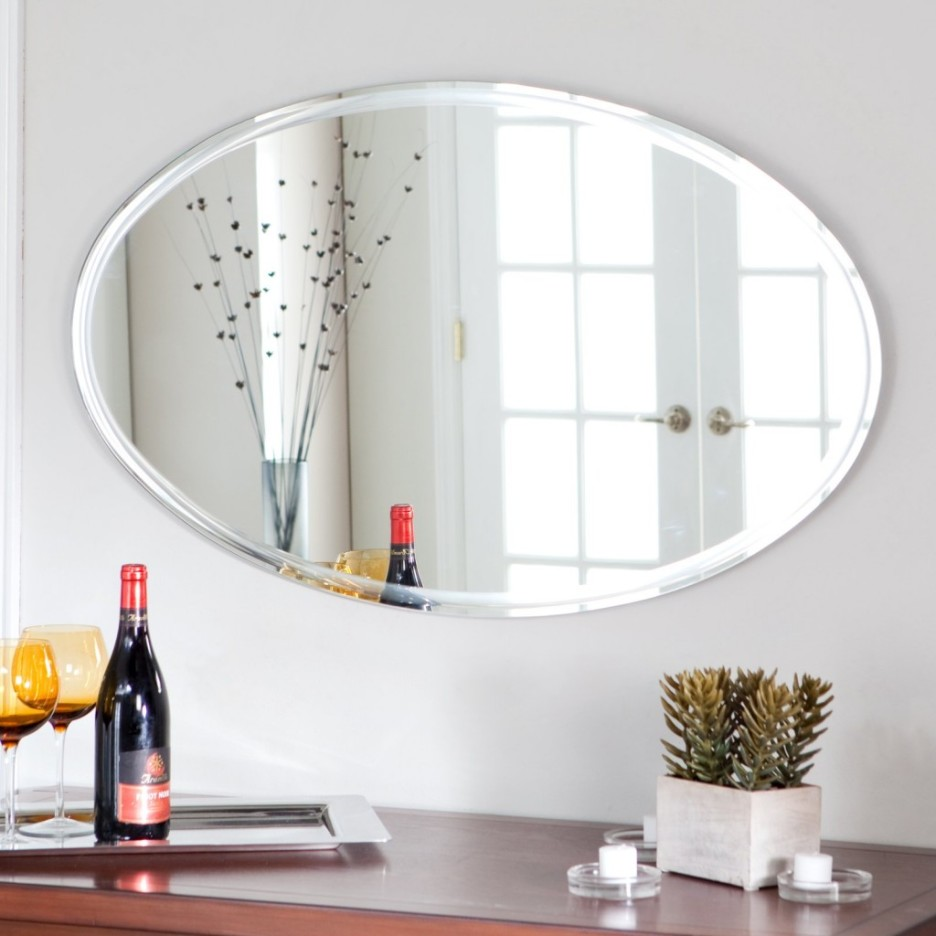 Image of: Large Oval Bathroom Mirrors