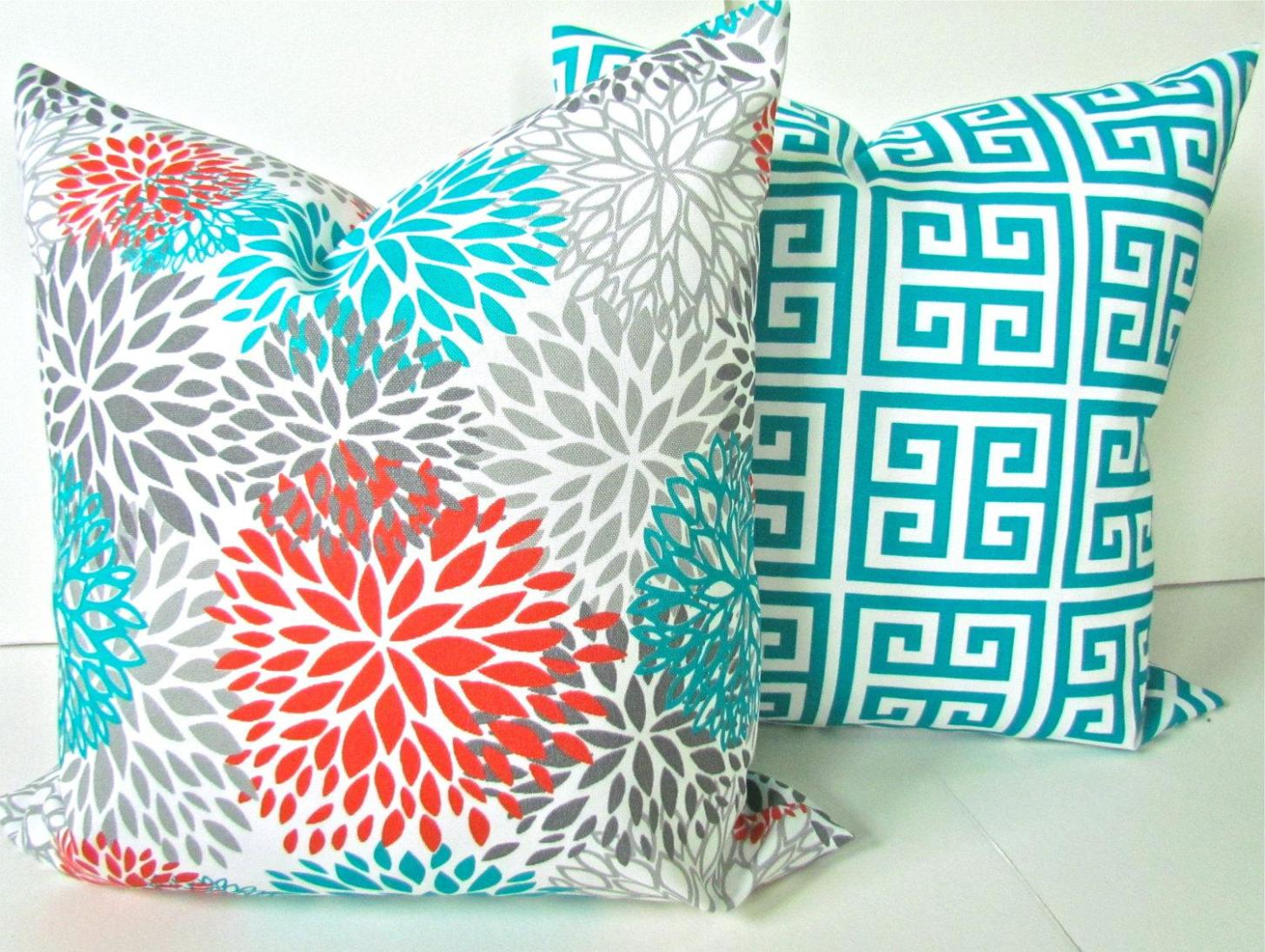 Image of: Large Toss Pillows