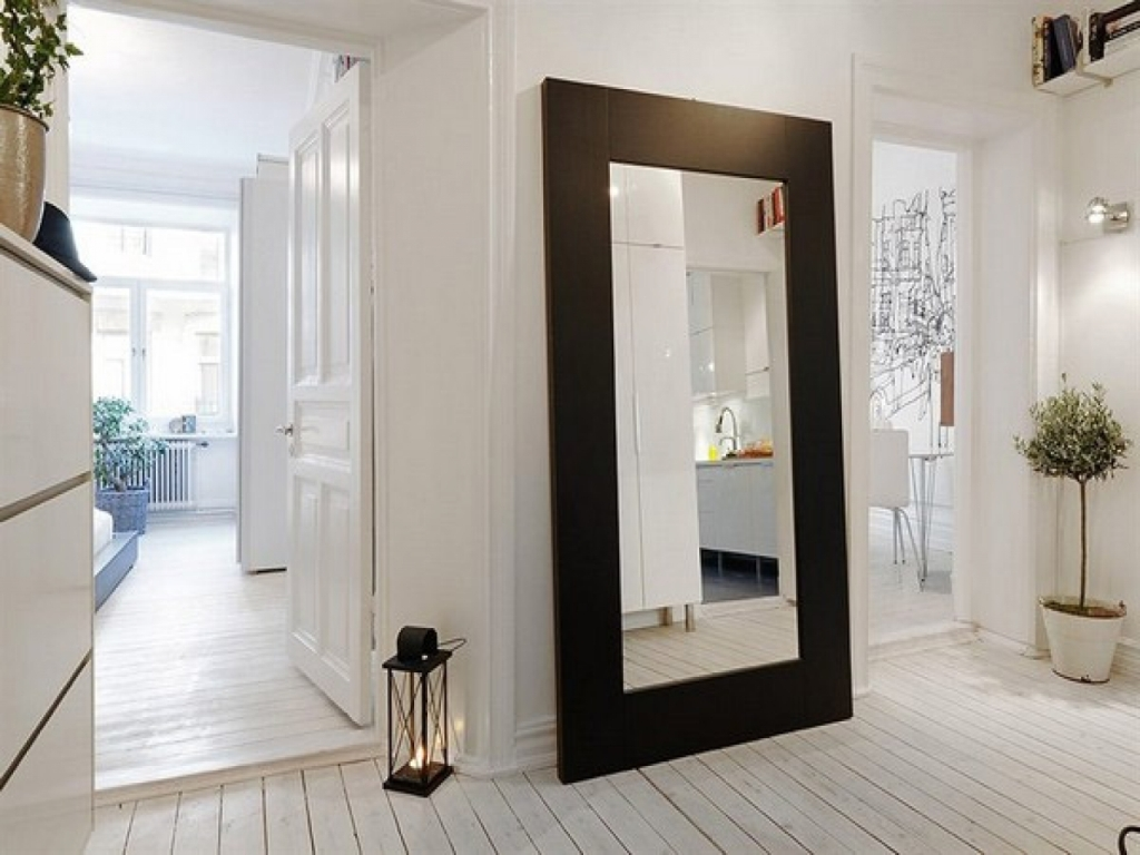 Image of: Large Wall Mirror Black Frame