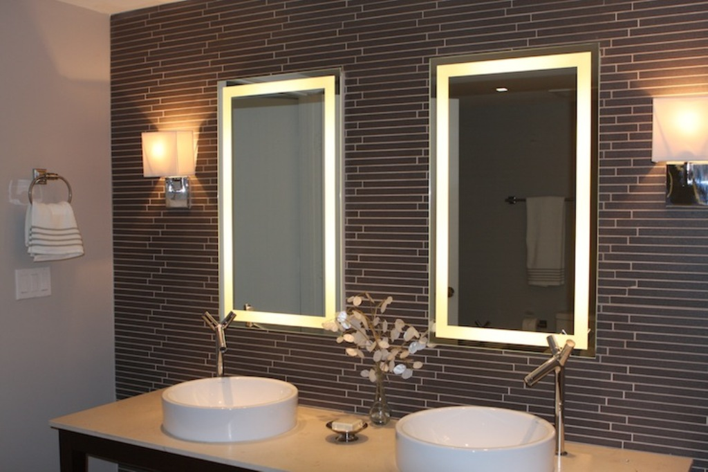 Image of: Lighted Bathroom Mirror Parts