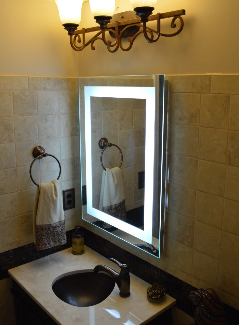 Image of: Lighted Vanity Mirror Type