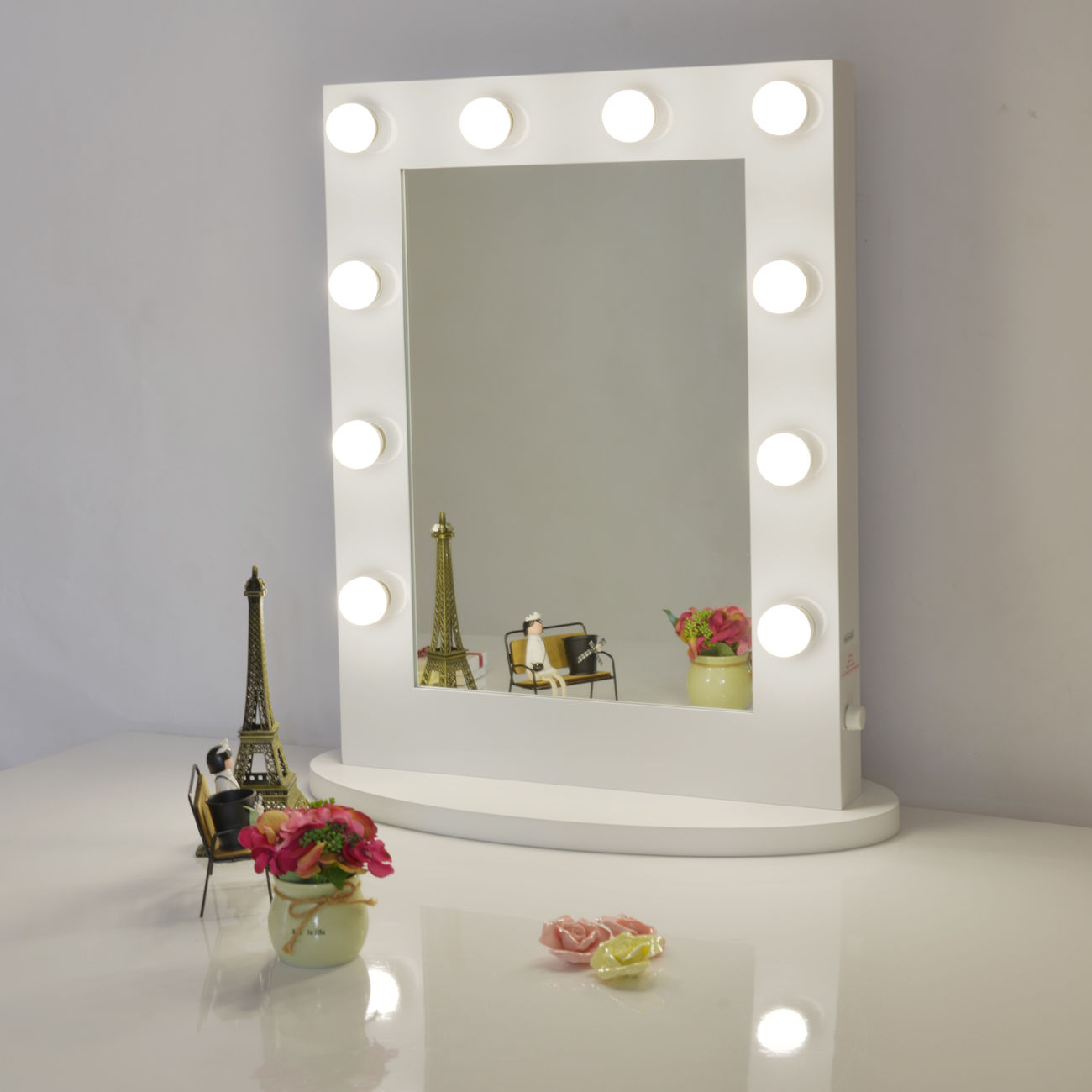 Image of: Lighted Vanity Mirror White