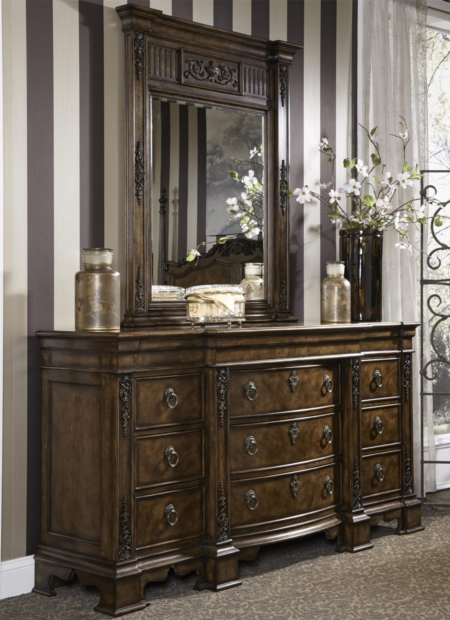 Image of: Luxury Antique Dresser With Mirror