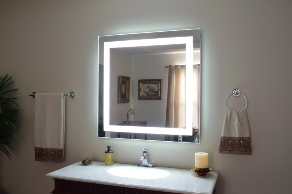 Image of: Makeup Vanity with Lighted Mirrors