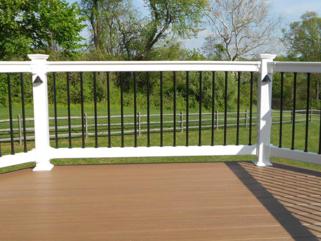 Image of: Metal Deck Railing Ideas Plan