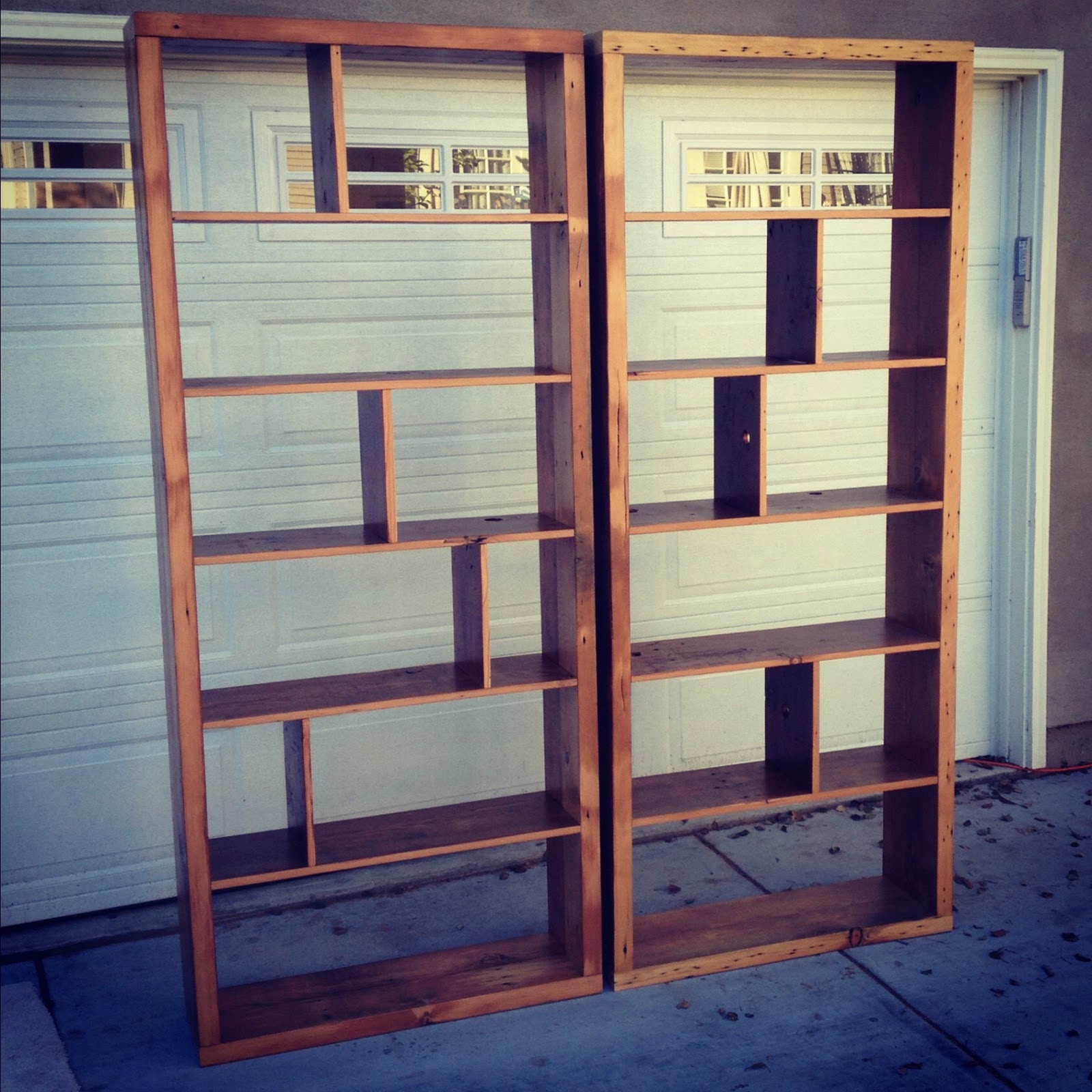Image of: Modern reclaimed wood bookcase