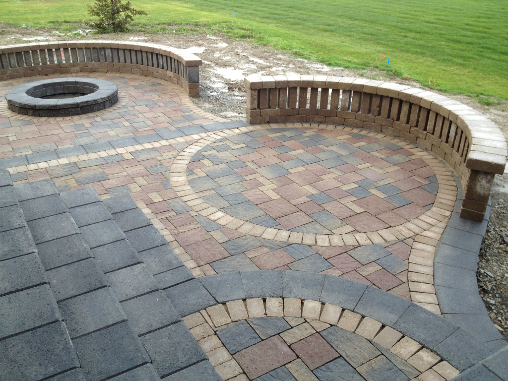 Image of: New Patio Bricks
