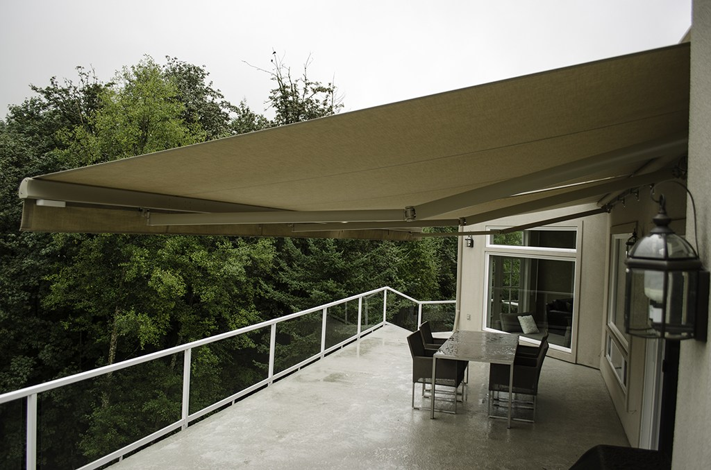 Image of: New Retractable Deck Awnings