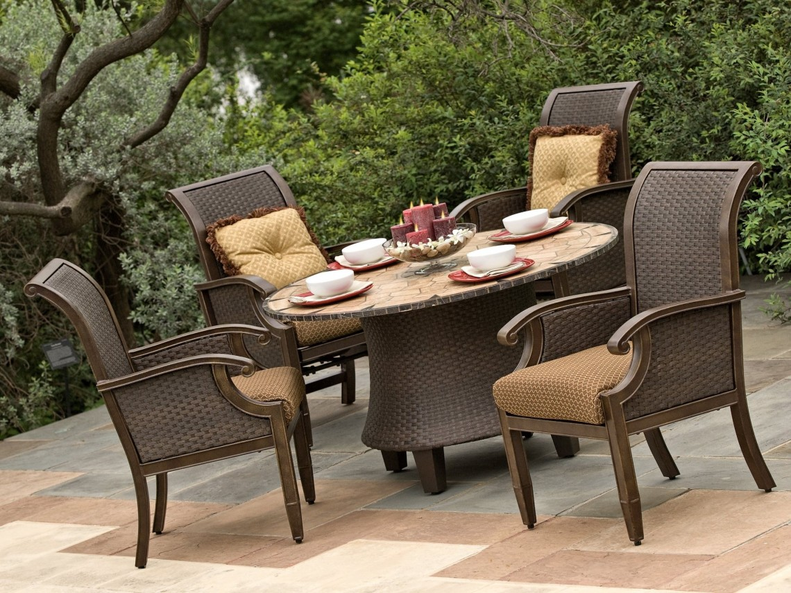 Image of: Nice Wicker Patio Sets
