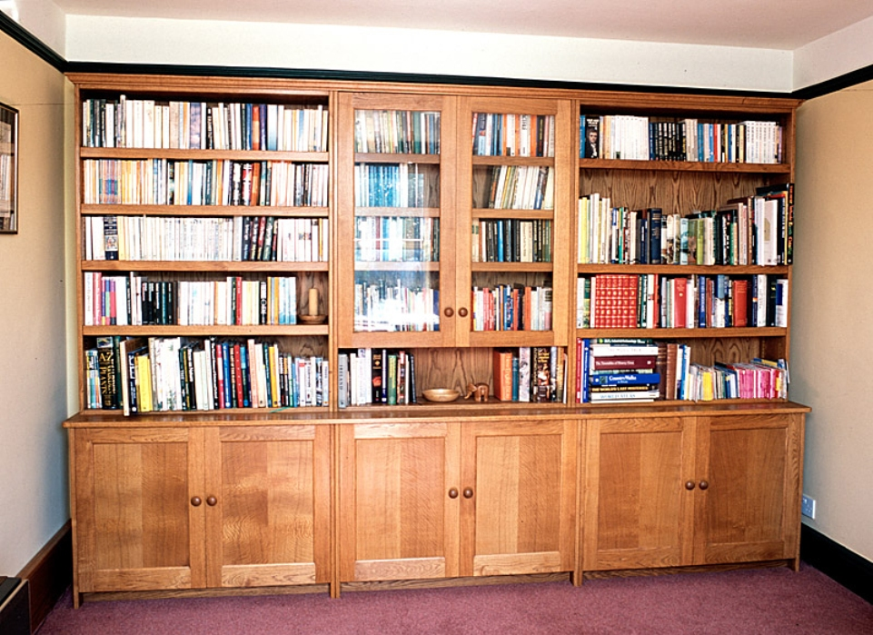 Image of: Oak bookcases with drawers