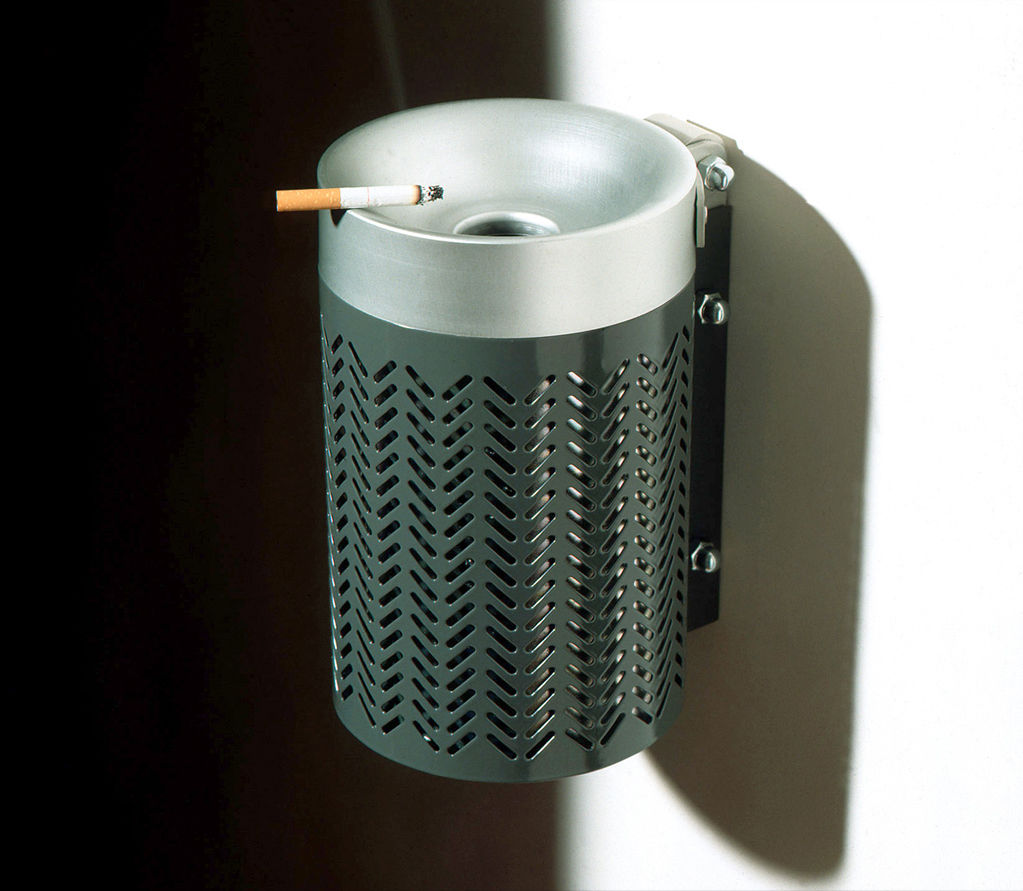 Image of: Outdoor Ashtray Wall Mounted