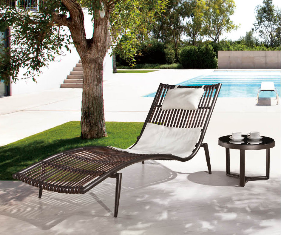 Image of: Outdoor Chaise Lounge Picture
