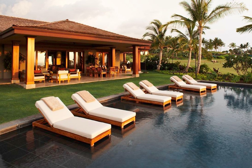Image of: Outdoor Chaise Lounge Pool Tropical