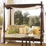 Outdoor Daybed with Canopy Decor