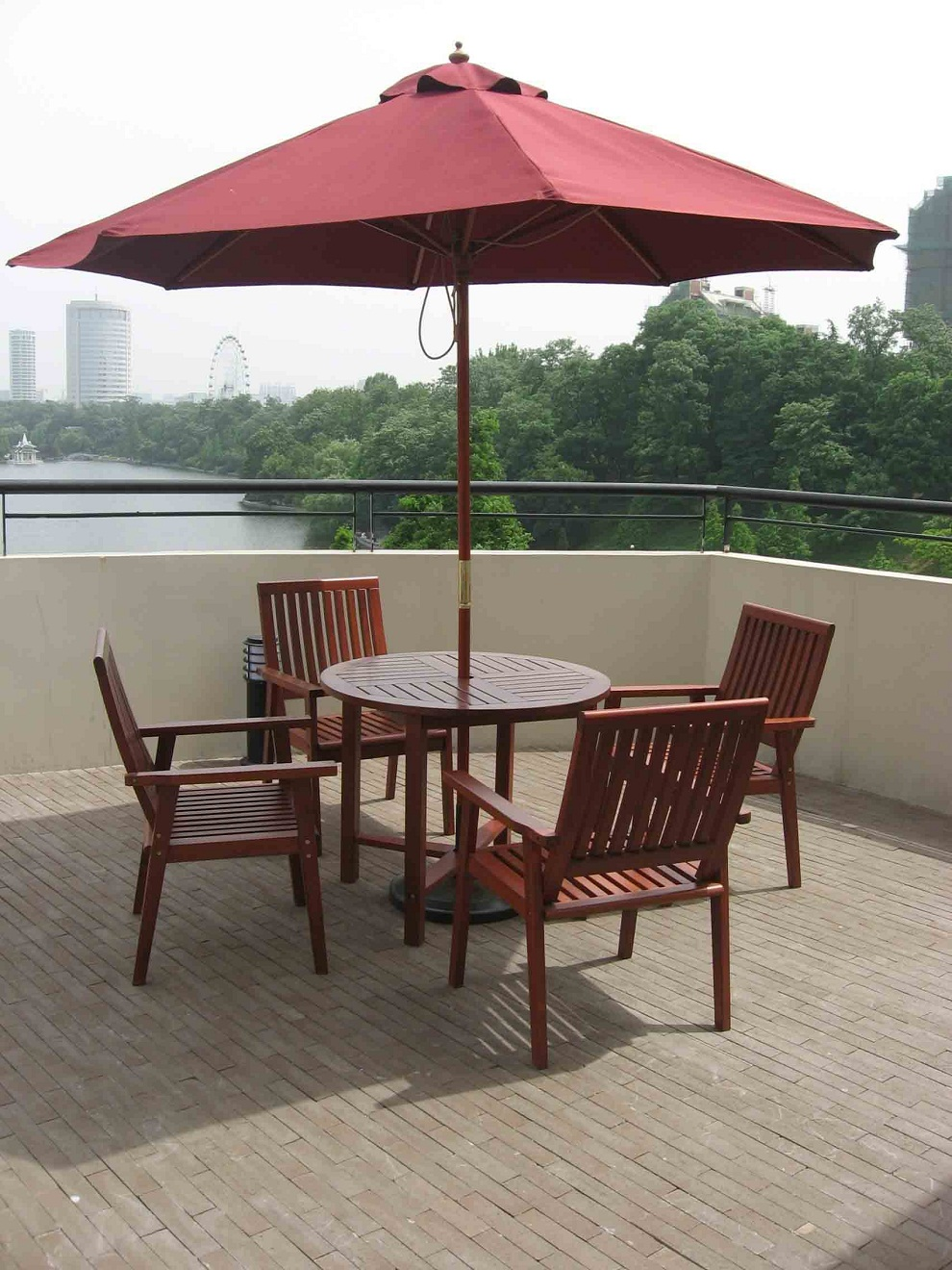 Image of: Outdoor Patio Furniture with Umbrella