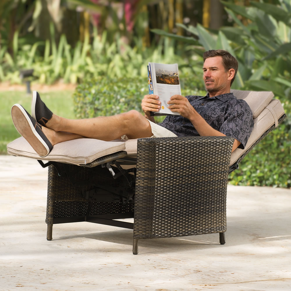 Image of: Outdoor Recliner Rattan