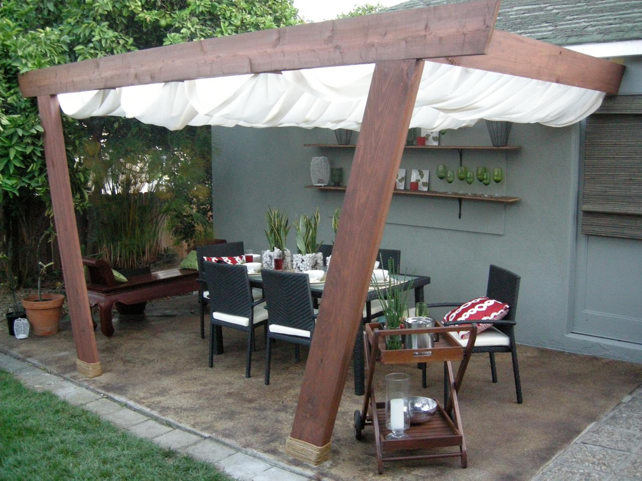 Image of: Outdoor Retractable Deck Gate